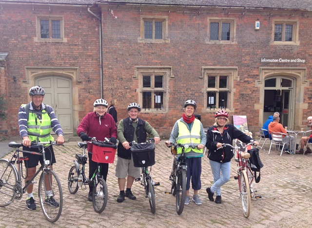 Image of cycling group at Elvaston Castle