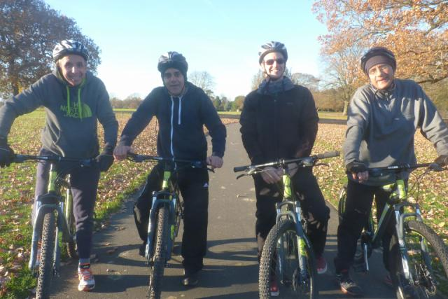 Cycling group image